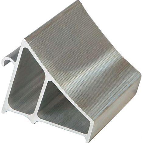 """Aluminum Wheel Chocks - Max Tire Diameter: 19"""" - Width: 7"""" - Colour: Aluminum - Depth: 6"""""""